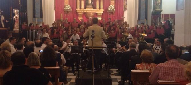 """Exitoso estreno de """"Huelva Corona tus Dolores"""" y el Himno de la Coronación"""
