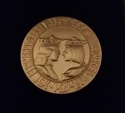 2015-12-17_foto-2_entrega-medalla-oro-foro-europa-2001_construir_casa_contenedores_casas_de_contenedores_vivienda_contenedores_casa_contenedores_-oferta